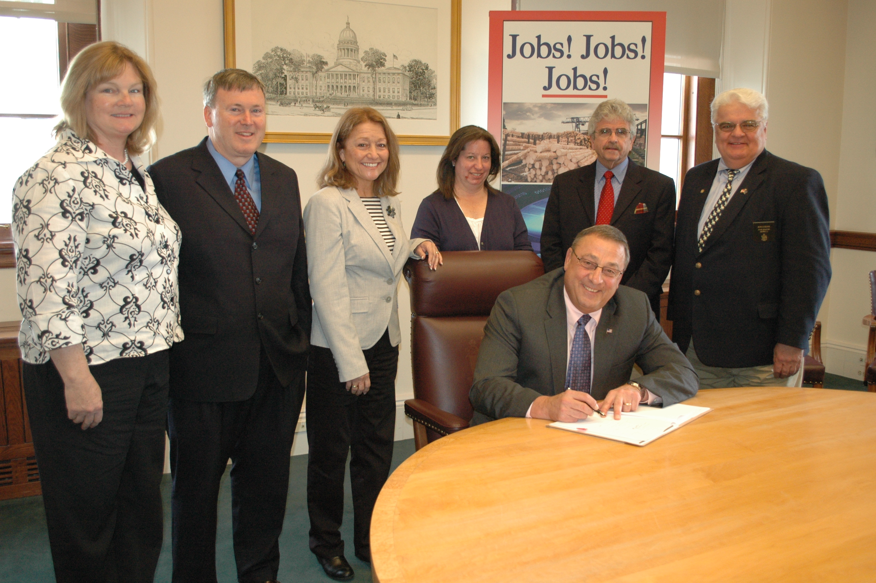 Picture of Governor signing red tape legislation