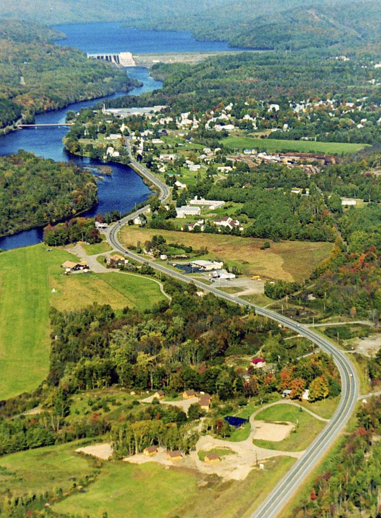 Route 201 bending around Wyman Lake