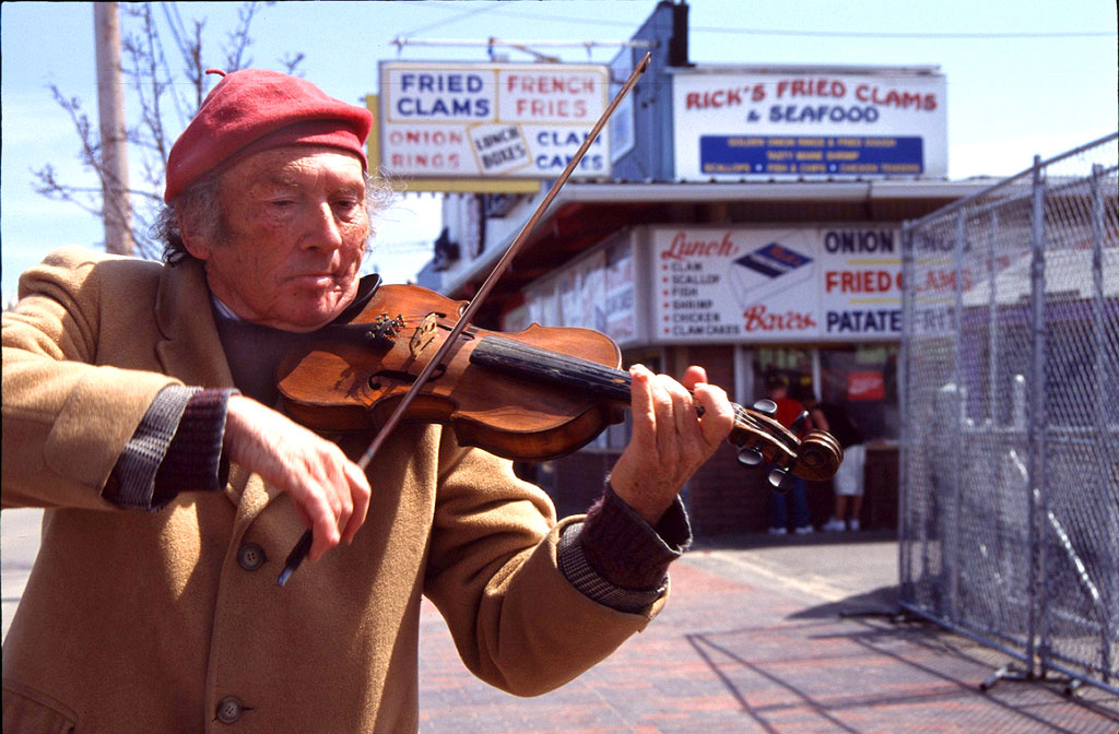 Fiddler at Old Orchard Beach